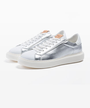 Style Sara Sneaker