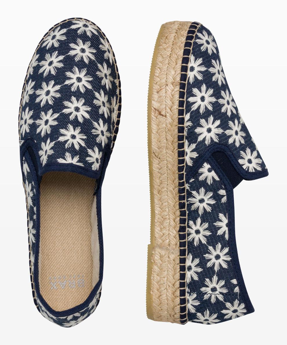 Style Carmelina Slipper